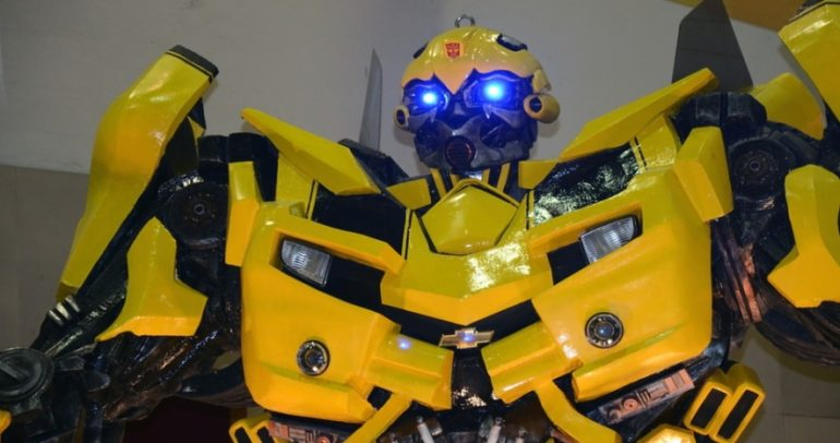 كورفيت Transformers VS.. قادرة على تغيير شكلها !