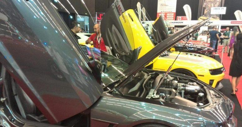 بالصور: سيارات معدلة ونادرة.. في معرض بلاتيا لبنان