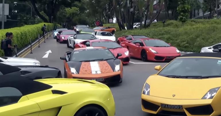 بالفيديو: هكذا تحولت زحمة السير الى متعة للسائقين!