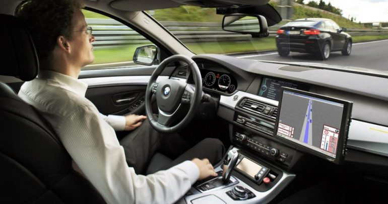 لسائقي بي أم دبليو.. اليكم أروع التقنيات والأنظمة في سياراتكم!