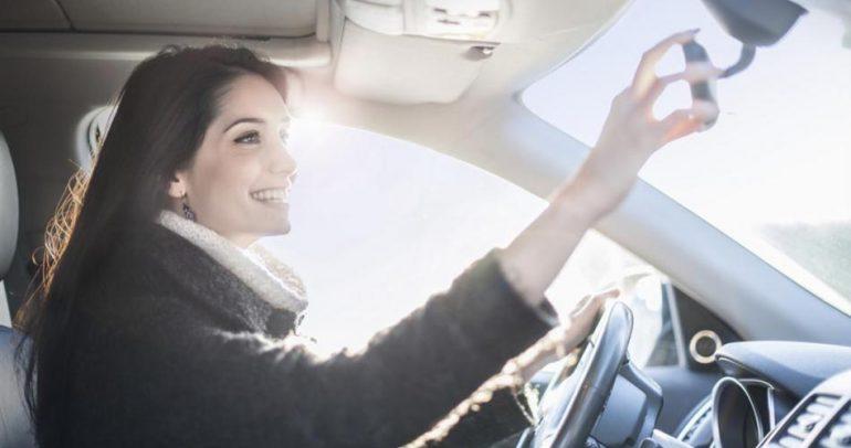 جديد الأجهزة الذكية.. مرآة رقمية لقيادة آمنة وسليمة!
