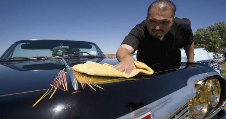 لعشاق التميز.. إليكم أفضل طريقة لتنظيف السيارة