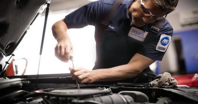 تنظيف محرك السيارة: خطوة مضرة أم نافعة؟