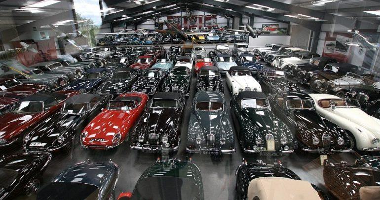 لمن يهمه الأمر.. ما يفوق عن 500 سيارة نادرة للبيع (فيديو)