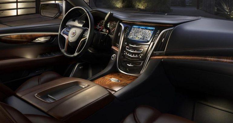 هل تتضمن سيارات كاديلك أحدث تكنولوجيا السيارات في العالم؟