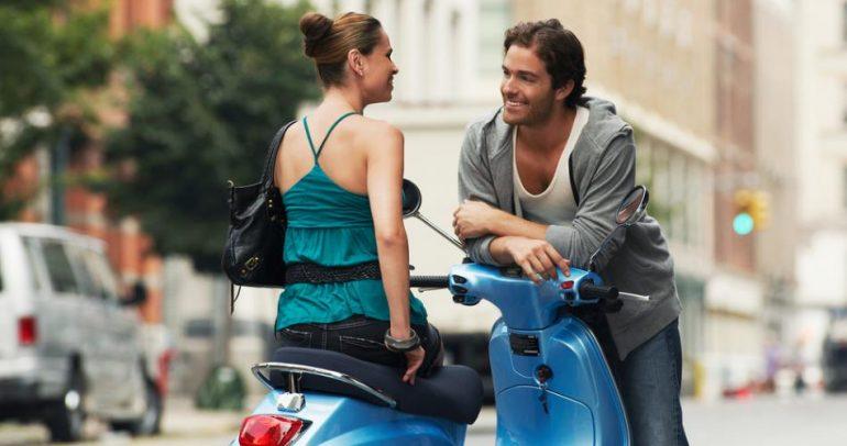 بالفيديو: إطارات LED لدراجاتكم النارية.. تأسر قلوب النساء