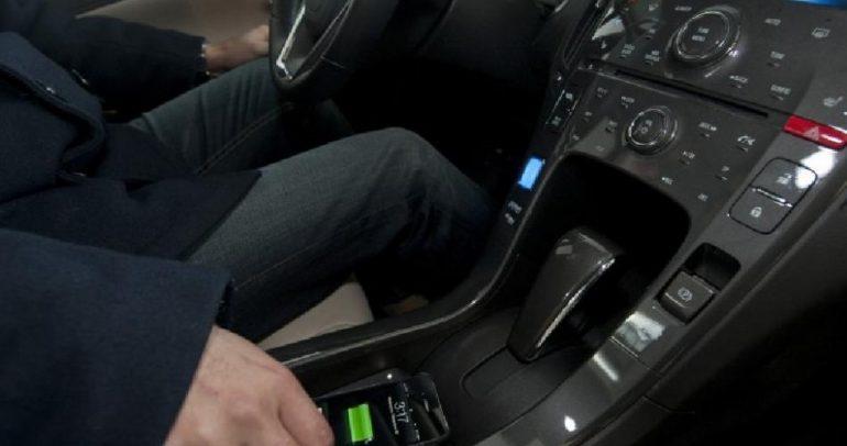 لسائقي كاديلك: هكذا تجعلون بطارية هواتفكم الذكية أبدية!