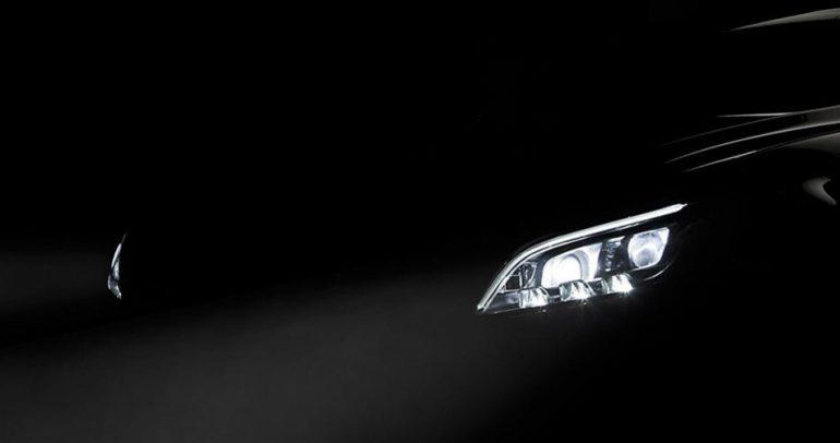 لعشاق المرسيدس.. تعرفوا الى مستقبل مصابيح سياراتكم المفضلة! (فيديو)