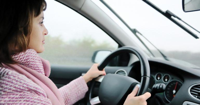 اليكم كيفية قيادة السيارة في فصل الشتاء