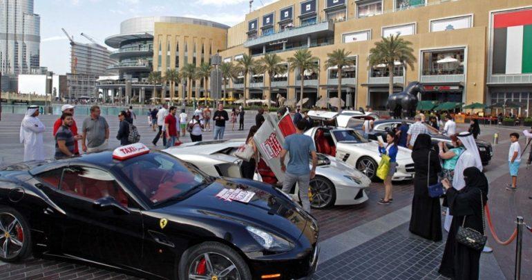 فرصة أخيرة لتجربة سيارات الأجرة الفارهة في دبي.. لا تفوتها