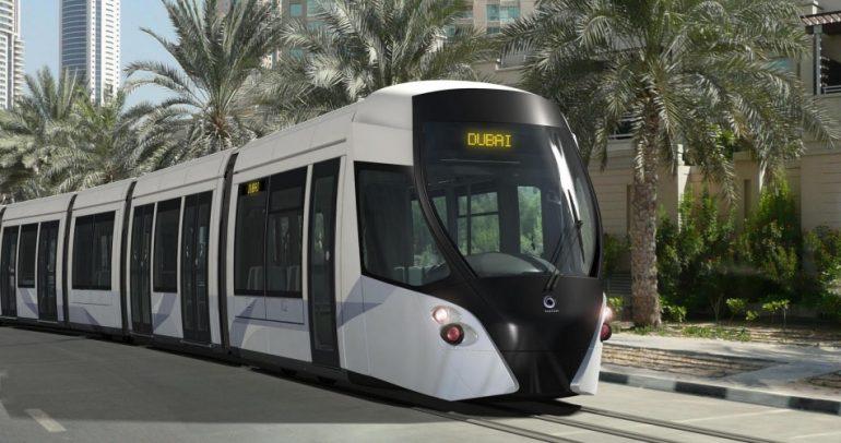 ترام دبي يقع للمرة الأولى في فخ حوادث السير.. فماذا حصل؟