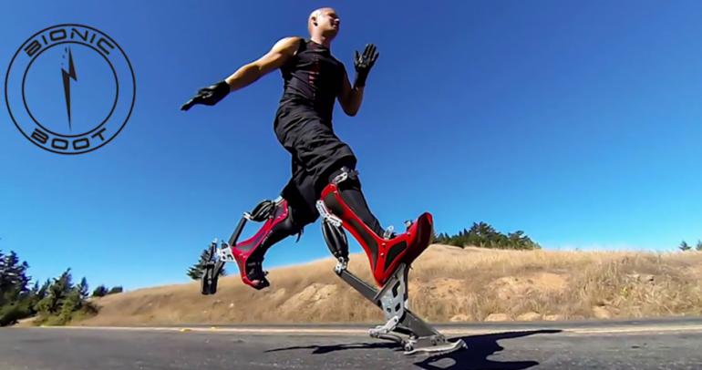 أصبح بامكانك التسابق مع السيارات بحذاء ذكي من نوع خاص! (فيديو)
