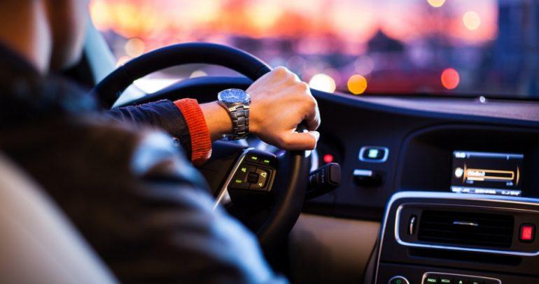 هكذا تجعل سيارتك التقليدية ذات قيادة ذاتية وآلية! (فيديو)