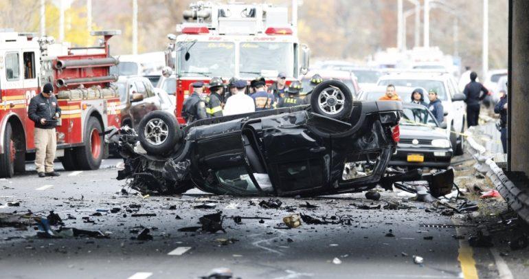 بالفيديو: هكذا يتم انقاذ العالقين في السيارات خلال حوادث السير بدبي