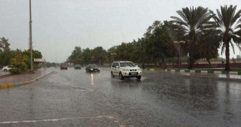 نصائح لتفادي حوادث السير في الخليج أثناء المطر والضباب