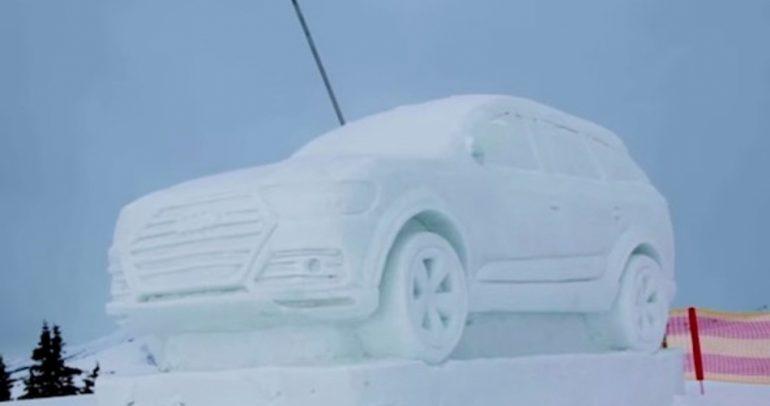 بدلا من رجل الثلج.. قاموا بنحت سيارة أودي العملاقة (فيديو)