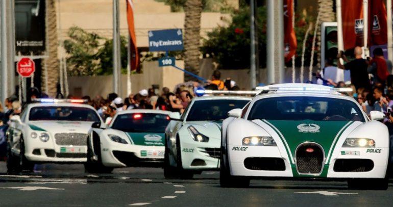 دبي تبهر العالم بأفخم سيارات الشرطة التابعة لها (فيديو)
