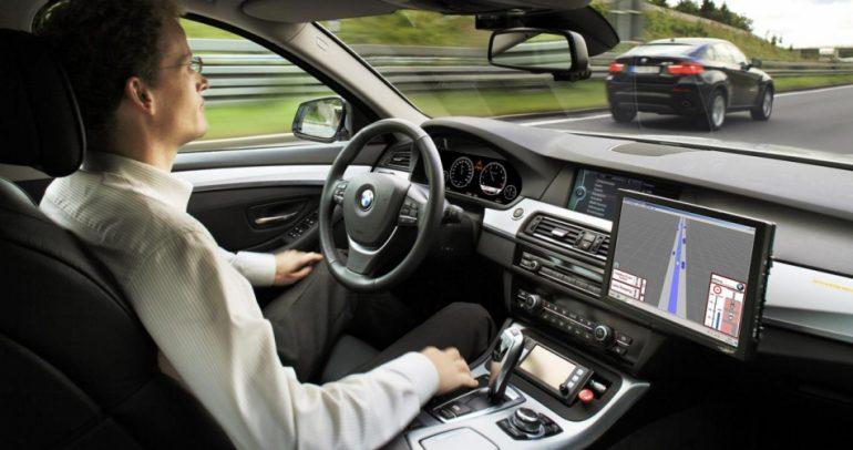 هل توافق على سيارة من دون سائق أم انك تفضل القيادة ؟