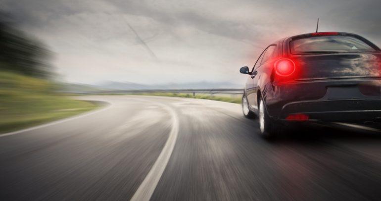 ما الفرق بين المكابح العادية والـABS.. وأيهما الأفضل لسيارتك؟