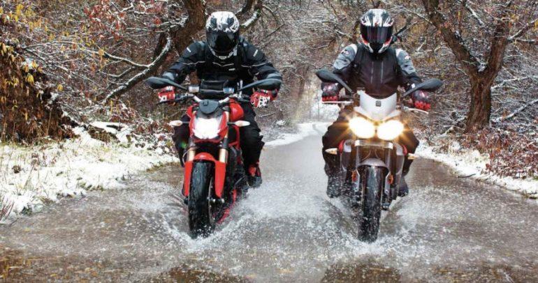 لقيادة الدراجات النارية في الشتاء قواعدها الخاصة