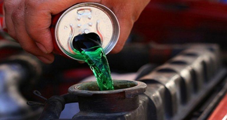 أيها أفضل لراديتير السيارة: المياه العادية أم الخضراء أم الحمراء؟