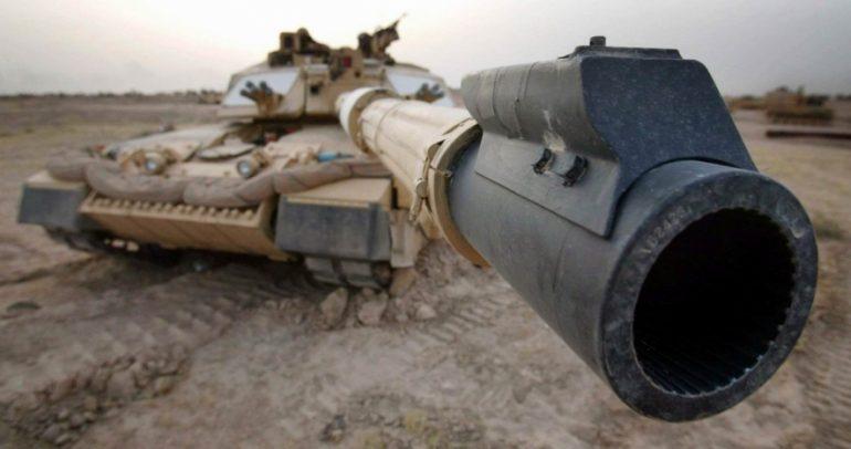 """تعرف إلى الدبابة الأقوى في الجيش العربي السعودي """"ابرامس م-١"""""""