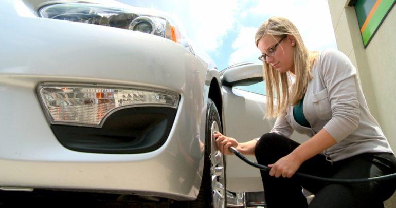 كيف تحدد نسبة الهواء اللازمة في إطارات سيارتك ؟