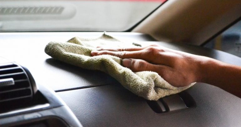 مظهر سيارتك يعتمد على طرق تنظيفها وإليك بعض النصائح