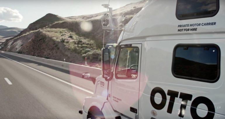 أوتو تطور شاحناتها العمالقة إلى روبوتات ذاتية القيادة