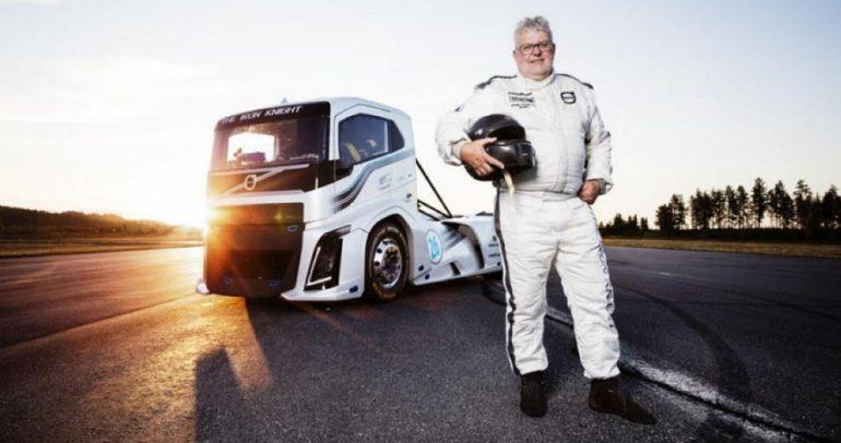شاحنة فولفو ضخمة سجلت رقمين قياسيين في السرعة