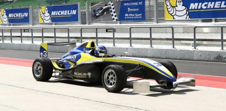 رئيس مرسيدس يريد منافسة أكبر في الفورمولا واحد