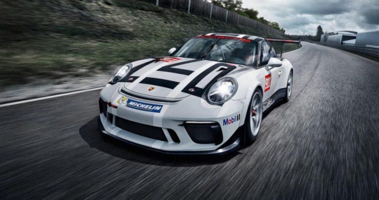 أطلقت في باريس: سيارة سباق بورش 911 GT3 Cup