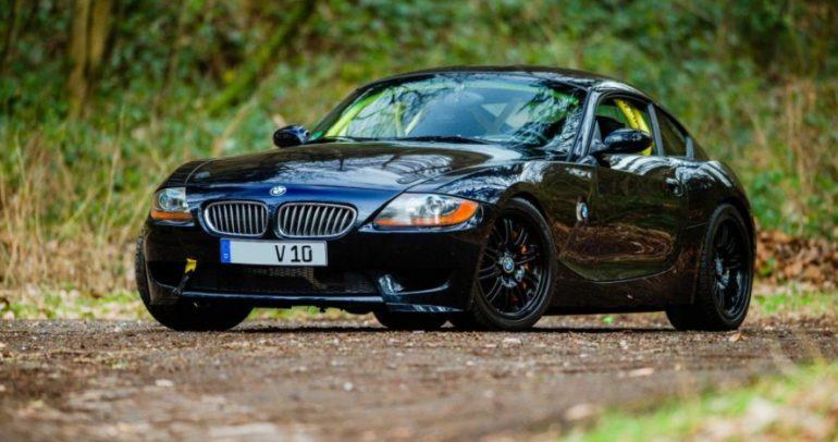 تمتعوا بسيارة BMW Z4 كوبيه مزودة بمحرك V10 viper