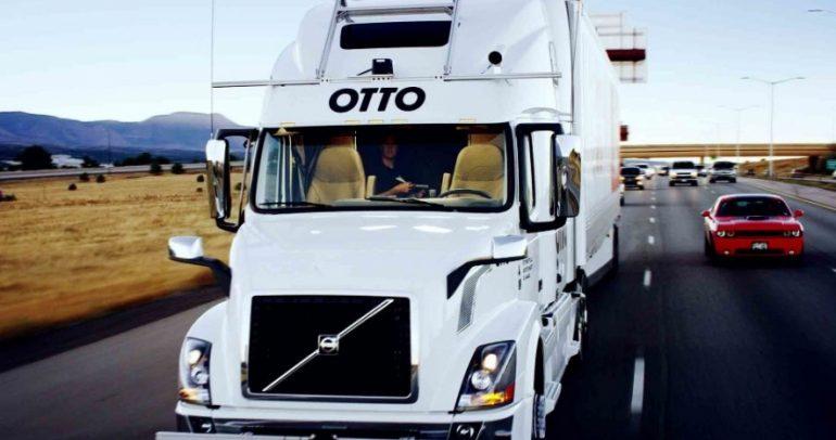 شاحنة Uber المستقلة تسلم شحنة من المشروبات بنفسها (فيديو)