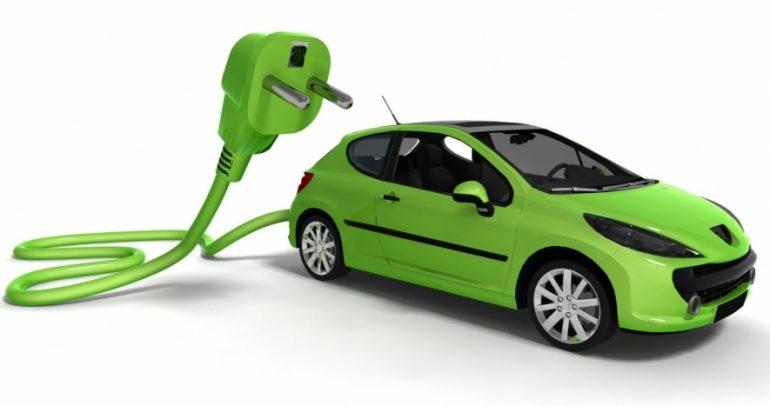 من تصدر مبيعات السيارات الكهربائية حول العالم؟