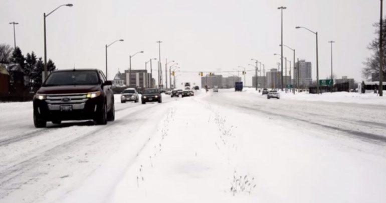 فيديو مدهش: عندما يتغلب الثلج على السائق