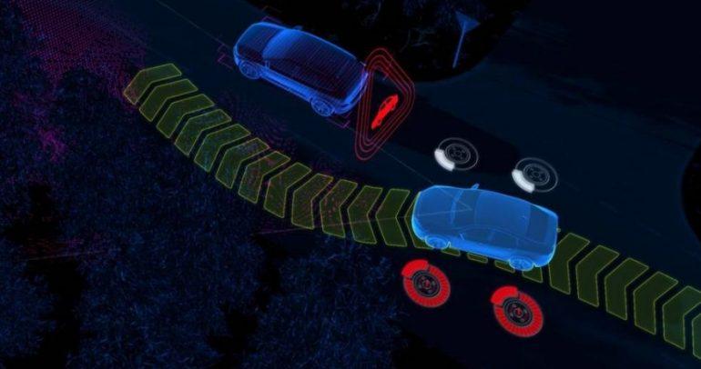 فولفو XC60 القادم سوف يوجه نفسه بعيدا عن الحوادث والحيوانات والسيارات