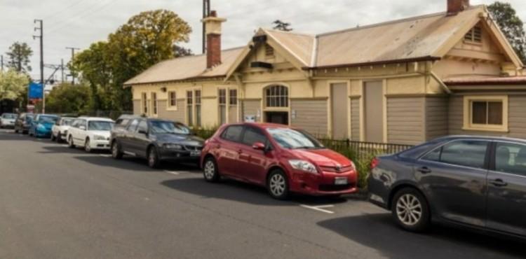 نصائح عملية لتجنب مخاطر ركن السيارة في الأماكن العامة