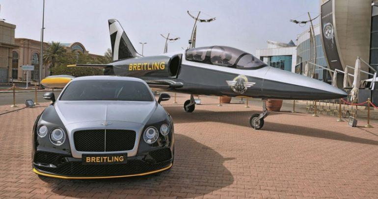 """طائرة """"بريتلينغ جت"""" داخل متجر في مدينة جدة السعودية!"""