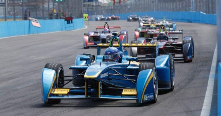 11 معلومة تحتاج إلى معرفتها حول سباق سيارات الفورمولا E الكهربائية