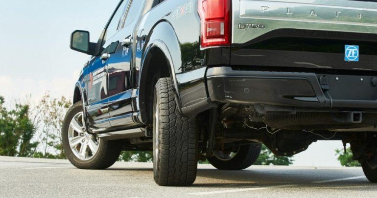 نظام توجيه العجلات الخلفية للسيارة: هل هو الحل المثالي للمركبات الكبيرة؟