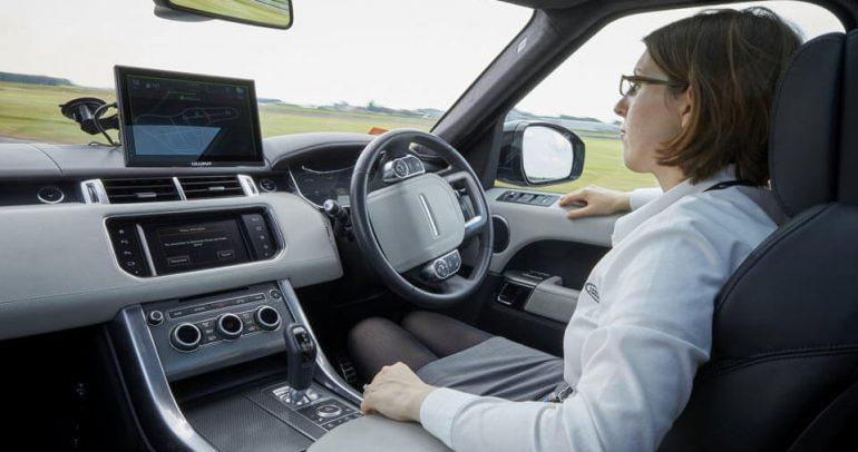 السيارات ذاتية القيادة إلى المملكة المتحدة بحلول عام 2021