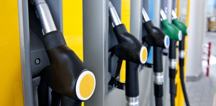 حيل ذهبية لتوفير المال عند مضخة الوقود