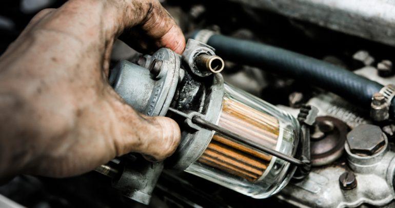 علامات اقتراب تلف فلتر البنزين في سيارتك