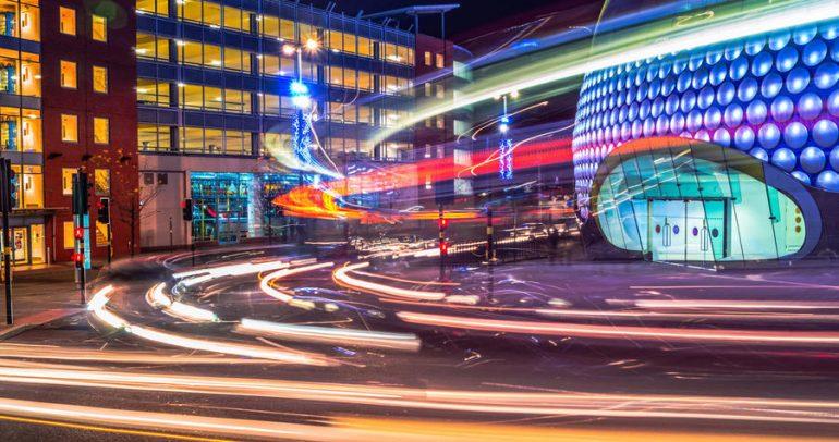مستقبل السيارات الكهربائية: خطر من التحميل الزائد على شبكة الكهرباء!