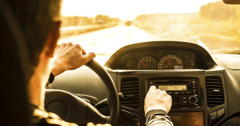 نصائح عملية لمقاومة مساوئ القيادة لمسافات طويلة