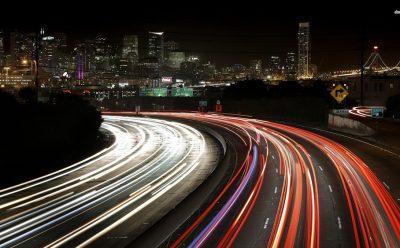هل تفرض كاليفورنيا حظرا على سيارات البنزين الغازات الدفيئة