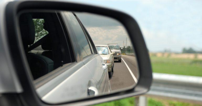 5 طرق غير آمنة من عادات القيادة… إحذرها