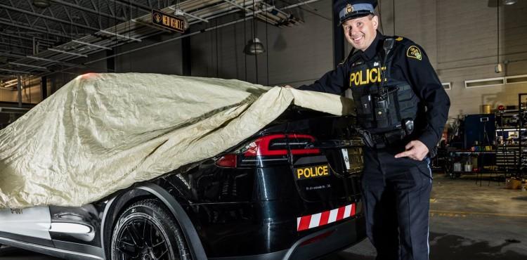سيارة تسلا الموديل X تنضم إلى الشرطة