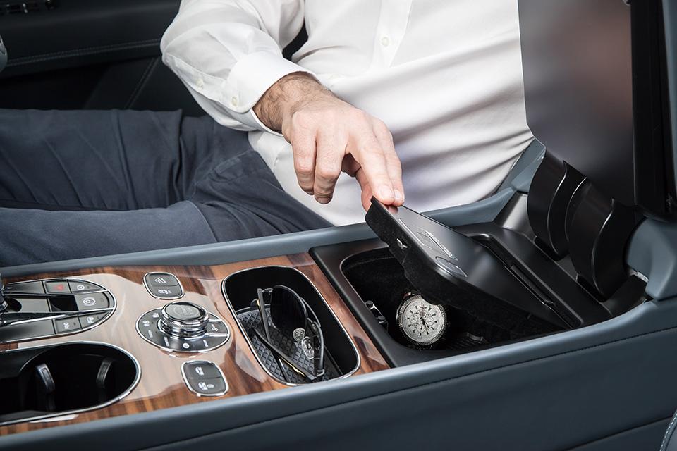 صندوق مولينر لسيارة بنتلي بنتايجا